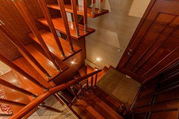 Пример уборки лестницы